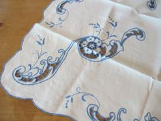 Blue Linen Luncheon Set Natural White LInen Table от BettyandBabs