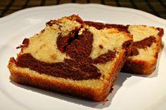 Márványos süti Banana Bread, French Toast, Muffin, Sweets, Breakfast, Food, Morning Coffee, Gummi Candy, Candy