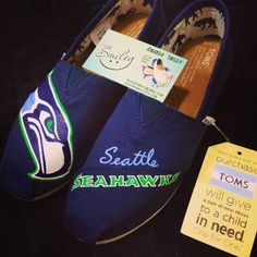 Another #shoesbysmiley Seattle Seahawks Toms design out in the world #seattleseahawks#seahawks