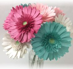 How To Make Paper Flowers At Home - See Mama Go Tissue Paper Flowers Giant, Paper Dahlia, Paper Sunflowers, How To Make Paper Flowers, Paper Flower Backdrop, Paper Flowers Diy, Paper Roses, Big Flowers, Flower Svg
