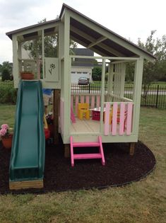 Love this! Would be so easy to build. This is a childs playhouse, but with a few modifications it coukd easoly become a Cat Condo. #buildachildrensplayhouse #outdoorplayhouseideas #buildplayhouseeasy #buildplayhouses