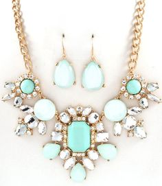 Rhinestone Statement Necklace  http://www.missesdressy.com/blog/statement-necklaces.html