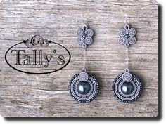 Pendientes soutache Soutache Pattern, Soutache Tutorial, Earring Tutorial, Diy Earrings, Earrings Handmade, Handmade Jewelry, Embroidery Jewelry, Silk Ribbon Embroidery, Hippie Jewelry