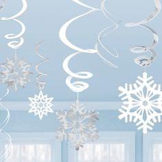 Schneeflockenhängende Swirl Girlande12 Stück aus leichter glänzender Foliedie ganz individuell (einzeln) aufgehängt werden könnenLänge 69 cm6 Swirls ohne Pappschildchen4 Swirls mit Pappschildchen a 12,7 cm2 Swirls mit Pappschildchen a 10 cm