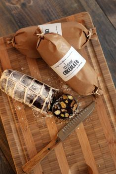 Salame Chiccolato or Chocolate Salami Baking Packaging, Dessert Packaging, Beer Packaging, Food Packaging Design, Valentine Chocolate, Chocolate Gifts, Chocolate Lovers, Carnicerias Ideas, Ice Cream Theme
