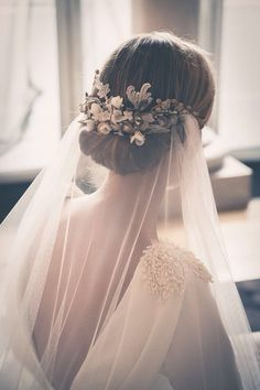 Simple wedding hair. For flowers and veil