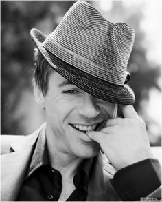 RDJ...one of the best photos of him i have seen!