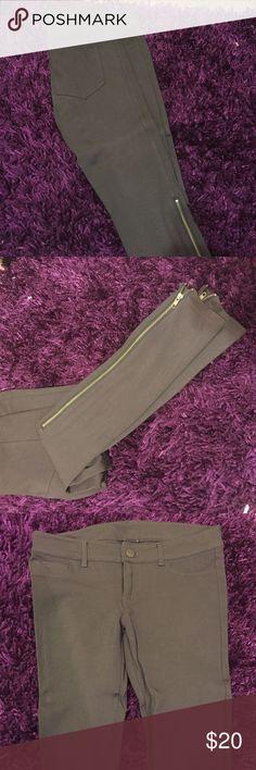 Grey legging pants Grey skinny stretchy pants with side leg zipper Express Pants Leggings