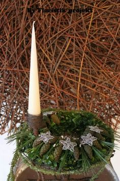 ... Christmas Time, Christmas Wreaths, Christmas Decorations, Table Decorations, Holiday Decor, Arte Floral, Christmas Inspiration, Winter White, Flower Arrangements