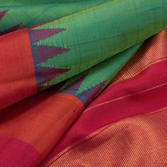 Handwoven Gadwal Kuttu Silk Saree With Multicolour Temple Border 10022978