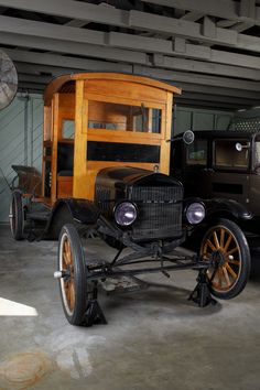 Henry Ford, Ford Models, Historical Sites, Inventions, Antique Cars, Engine, Garage, Museum, Collections