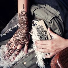 Oriental traditional henna glove veronicalilu