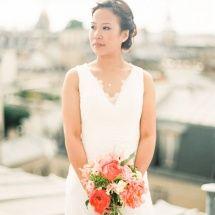 Bouquet de mariée champêtre corail et rose pivoine - Reflets Fleurs et Alain M