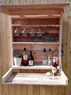 Garden Bar Outside Pub Wooden Pallet Reclaimed Gin Wine Beer BBQ Store Table Personalised Gift Wooden Bar, Wooden Pallets, Serving Table, A Table, Bbq Store, Bbq Wood, Bbq Bar, Outside Bars, Small Bars