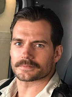 henry cavill mustache slicked back hairstyle Mens Hairstyles Round Face, Royal Hairstyles, Quiff Hairstyles, Haircuts For Men, Hipster Mustache, Mustache Men, Man With Mustache, Mens Facial, Facial Hair