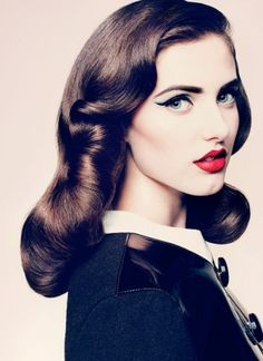 Your Ultimate Guide to Three Top Pin Up Hair Styles