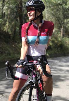 nøgne damer på cykel