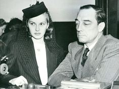 Eleanor Norris and Buster Keaton applying for their marriage license May 1940
