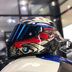 Full Face Motorcycle Helmets, Custom Motorcycle Helmets, Custom Helmets, Motorcycle Bike, Agv Helmets, Racing Helmets, Biker Photoshoot, Kawasaki Bikes, Bike Bmw