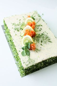 Ideas Appetizers No Bake Savory Cake Sandwich, Sandwiches, Appetizers For Party, Party Snacks, Food Plating Techniques, Food Carving, Food Garnishes, Food Platters, Food Decoration