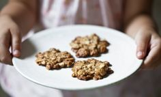 Kitchenette — Mandlovo-ovesné sušenky Gimme Some Sugar, Cooking Cookies, Kitchenette, Macarons, Dog Food Recipes, Cereal, Healthy, Breakfast, Sweet