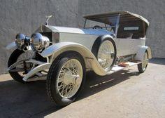 Bailey drove Bryan and Nicole to the Thornhill Estate in a 1914 Rolls-Royce Silver Ghost Nov 21, November, Dallas Market Hall, Dallas Auction, Roaring Twenties, Rolls Royce, Art Nouveau, Antique Cars, Rain