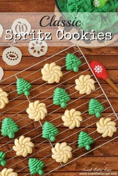 Spritz Cookies Classic Spritz Cookies- simple ingredients, easy to bake, and makes a lot!Classic Spritz Cookies- simple ingredients, easy to bake, and makes a lot! Spritz Cookies, Buttery Cookies, Galletas Cookies, Holiday Cookies, Cupcake Cookies, Cupcakes, Cookie Desserts, Holiday Desserts, Holiday Baking