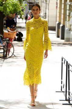 Lela Rose New York Fashion Week Spring 2017 Runway Collection Fashion Mode, Fashion 2017, Look Fashion, Spring Fashion, Fashion Show, Fashion Design, Dubai Fashion, Beach Fashion, Dress Fashion