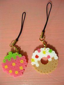 ストラップ Perler Bead Designs, Hama Beads Design, Perler Bead Art, Melty Bead Patterns, Hama Beads Patterns, Beading Patterns, Pearler Beads, Fuse Beads, Bead Crafts