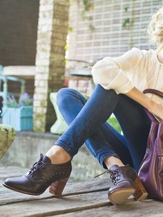 We've gathered our favorite ideas for 20 Style Tips On How To Wear Oxford Shoes Ankle Boots, Explore our list of popular images of 20 Style Tips On How To Wear Oxford Shoes Ankle Boots. Oxford Outfit, Oxford Heels, Oxford Booties, Heels Outfits, Cute Outfits, Cute Shoes, Me Too Shoes, Shoes Pic, Golf Shoes