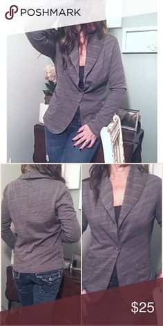 """HEATHERED Stretchy Single Button Blazer A great staple for your wardrobe! This soft cotton blazer can be dressed up or down- pair with a pencil skirt for professional look. The more casual fabric makes this a great piece to wear with jeans for a casual chic look. No flaws, worn a few times. Doesn't fit me anymore. 100% cotton, single button, front patch pockets. Shoulder width 18"""", Bust ~20"""", Length 24"""". Please ask all questions prior to purchase. [TR jeans available in closet] Bobi Jackets…"""