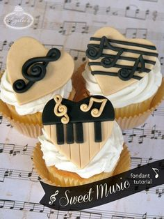 Feed your soul some sweet sounds with this fun fondant tutorial for creating delicious & harmonious music-themed cupcakes! Cupcake Tutorial, Fondant Tutorial, Fondant Cupcake Toppers, Cupcake Cakes, Rose Cupcake, Cake Decorating Tutorials, Cookie Decorating, Bolo Musical, Music Cakes