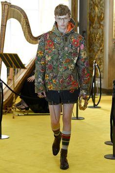 http://www.vogue.com/fashion-shows/resort-2018/gucci/slideshow/collection