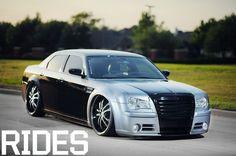 black & gray Chrysler 300
