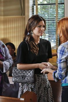 Rachel Bilson Hart of Dixie 3.01 Who Says You Can't Go Home? #celebrityfashion