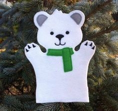 Polar Bear Hand Puppet Christmas at the North by ThatsSewPersonal Glove Puppets, Felt Puppets, Puppets For Kids, Felt Finger Puppets, Hand Puppets, Sewing Kids Clothes, Sewing For Kids, Felt Diy, Felt Crafts