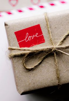 Brown Paper Packages Tied up with String.and Fabric, Twine, Lace & Buttons Cute Valentines Day Gifts, My Funny Valentine, Valentine Box, Origami, Brown Paper Packages, Pretty Packaging, Packaging Ideas, Back To Nature, Love Gifts