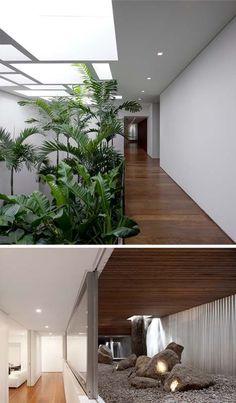 Resultado de imagen para jardines interiores bajo escaleras
