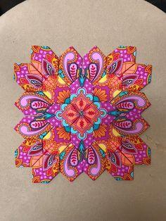 Beginner Quilt Patterns, Quilting For Beginners, Sewing Patterns, Quilting Ideas, Geometric Quilt, Hexagon Quilt, Hexagons, Scrappy Quilts, Easy Quilts