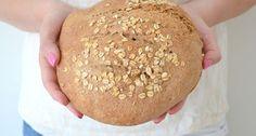 Zelf speltbrood bakken is niet moeilijk, hier vind je mijn easy peasy recept.