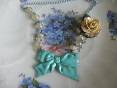 The Shabby Blue Bowvintage flower and glass by originalnoell, $38.00