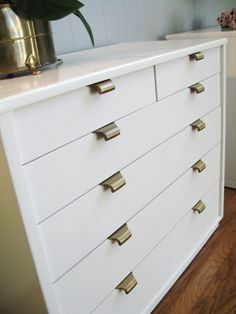 love the drawer pulls