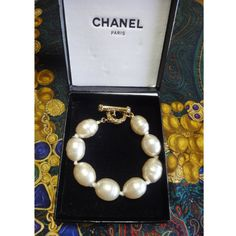Vintage CHANEL extra large faux baroque pearl bracelet by eNdApPi