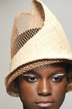 Issey Miyake Spring 2011 The makeup is wonderful!