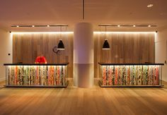 QT Gold Coast Hotel by Nic Graham – Ultra Luxury Paradise for Pleasant Stay Hotel Reception Desk, Lobby Reception, Reception Areas, Hotels Gold Coast, Counter Design, Clinic Design, Hotel Lobby, Lobby Lounge, Hotel Interiors