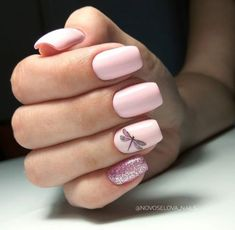 Semi-permanent varnish, false nails, patches: which manicure to choose? - My Nails Cute Acrylic Nails, Cute Nails, Pretty Nails, Prom Nails, Long Nails, Short Nails, Solid Color Nails, Nail Colors, Short Nail Designs