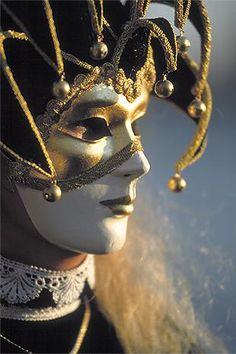 Portraits: traditional masks