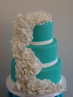 Cascading ruffle cake! OMG this cake is awesomeeeee!!!