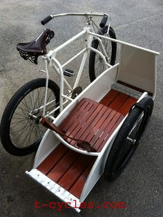 Amazing Cool Bicycles – T-Cargo side car bike. Between friends & cargo, I could find some good uses for this. Cool Bicycles, Vintage Bicycles, Cool Bikes, Velo Design, Bicycle Design, Pimp Your Bike, Bicycle Sidecar, Velo Cargo, Side Car