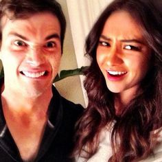 Ian Harding and Shay Mitchell A Pll, Ezra Fitz, Pll Cast, Silly Pictures, Silly Pics, Ian Harding, Shay Mitchell, Pretty Little Liars, Best Shows Ever